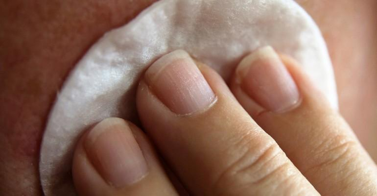 How to clean your skin after sugaring ?